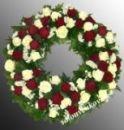 Траурный венок из живых цветов N54 -  60см